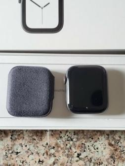 Apple Watch Series 4 44 mm Space Gray with Black Sport Band